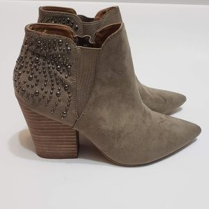 Report Studded Pointed Toe Stack Heel Booties sz 8